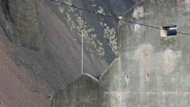 La Policía Nacional busca restos óseos en un pozo en Jinámar (Gran Canaria).