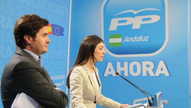 Los Representantes Del PP En Rueda De Prensa