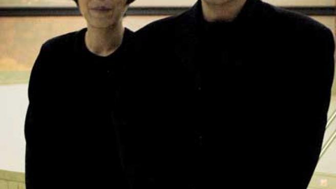 Los arquitectos japoneses Kazuyo Sejima y Ryue Nishizawa.