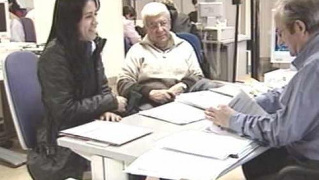 El DOE publica la Oferta de Empleo Público de la Junta de Extremadura para 2010, compuesta por 1.264 plazas