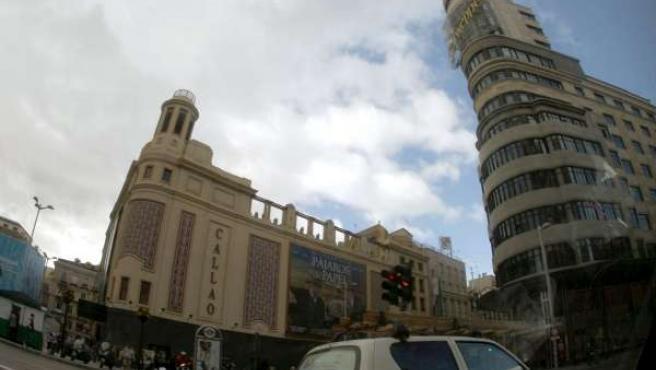 Vista la Gran Vía madrileña a la altura de la Plaza de Callao.