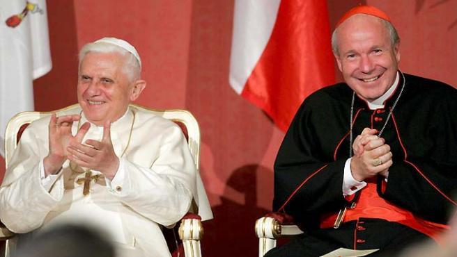 El cardenal austríaco Christoph Schoenborn ha defendido a Benedicto XVI para que investigue los abusos sexuales en Austria.