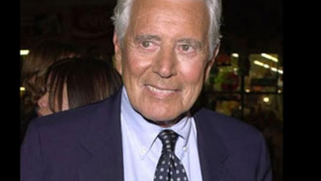 El actor John Forsythe.
