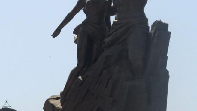 Senegal ha inaugurado este sábado el grandioso y polémico monumento, en la víspera del Cincuentenario de la Independencia.