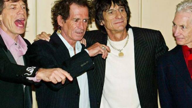 En el centro, los guitarristas Keith Richards y Ronnie Wood; a la derecha, Charlie Watts, batería, y a la izquierda Mick Jagger, vocalista.