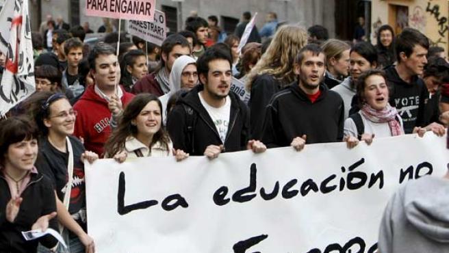 Los estudiantes protestaron por el centro de Madrid.