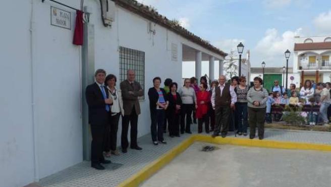 Pulido Durante La Inauguración De La Plaza Mayor De El Fontanar