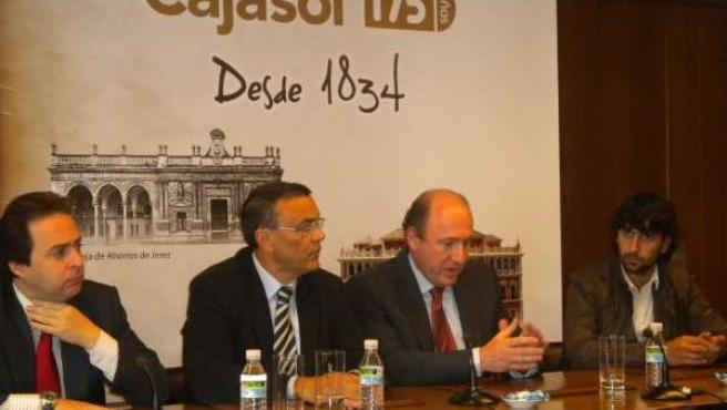 Pie De Foto: Ignacio Caraballo Y Arcángel En La Presentación Del Concierto Del 1