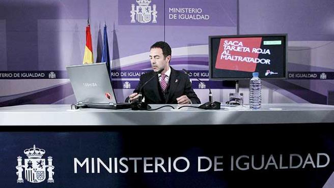 El delegado del Gobierno para la Violencia de Género, Miguel Lorente, durante la rueda de prensa.