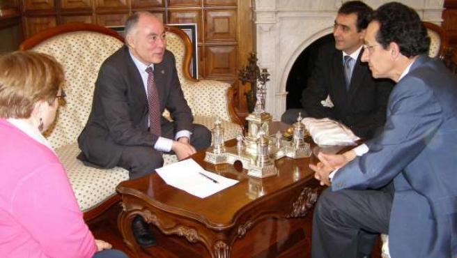 Gallego Durante El Encuentro Con Responsables De Aspanias
