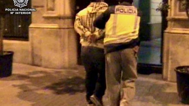 La Policía Nacional ha detenido en el área de Barcelona a doce personas.