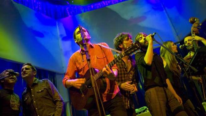 Imagen de los músicos participantes en el concierto.