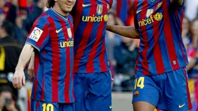 Messi, Ibrahimovic y Henry celebran el tercer gol del Barcelona ante el Xerez.