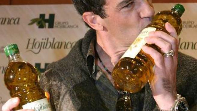 Aceite, vino, motos... Antonio Banderas ha diversificado sus inversiones.