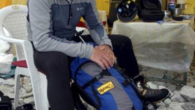 Fotografía de archivo del montañero Tolo Calafat, durante el ascenso que hizo al Everest una expedición mallorquina en 2008.