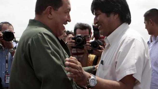 Hugo Chávez y Evo Morales durante un encuentro en Venezuela.