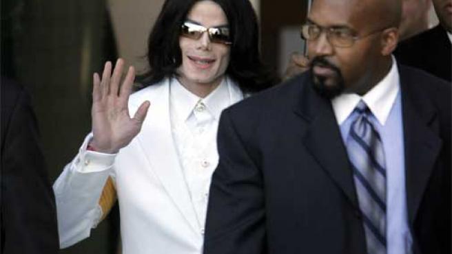 Con éste, son cuatro los novios que se han atribuido a Michael Jackson.