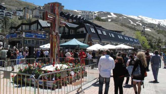 Cruz De Mayo Hecha Con Esquís