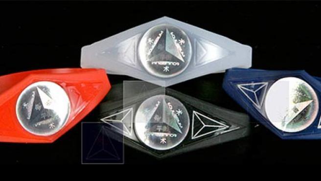 Varias pulseras de la marca Equilibrium.