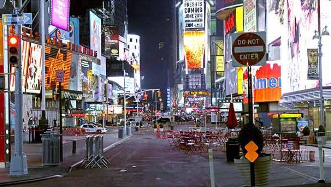 Times Square, luego de ser evacuada por el coche bomba en Nueva York.