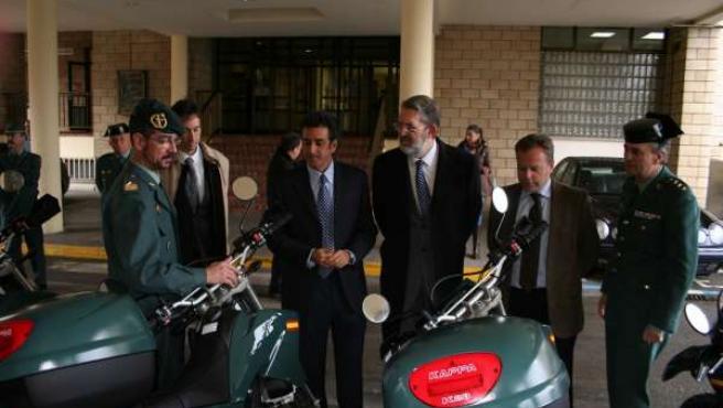 Entrega De Motos A La Guardia Civil