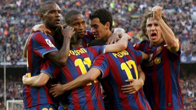 El Barca Golea Al Real Valladolid Y Se Proclama Campeon De La Liga 2009 2010