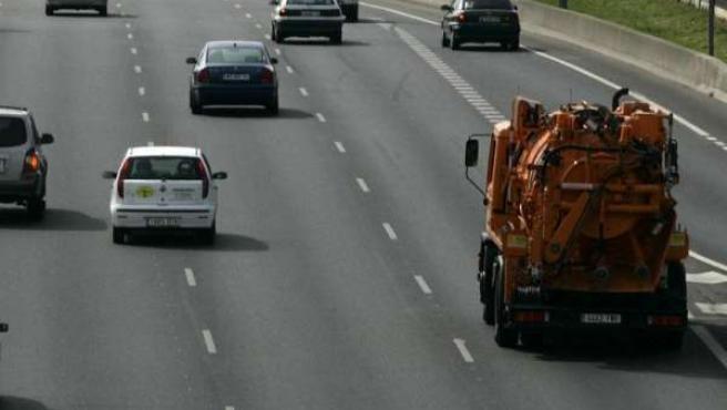 Cantabria tiene casi 482 kilómetros de carreteras por cada 1.000 km2, y 40,22 de autovías, más que la media