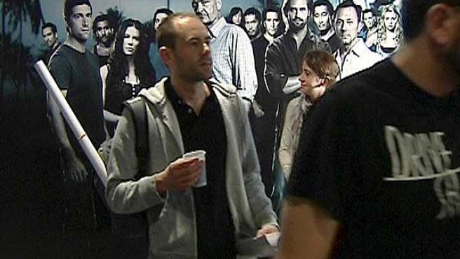 Algunas de las 700 personas que acudieron a los cines Yelmo Ideal de Madrid para asistir al final de 'Perdidos'.
