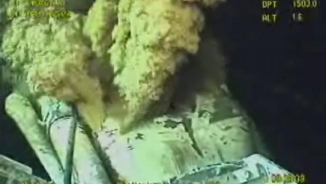 Imagen de la fuga de petróleo en un pozo de BP en el golfo de México