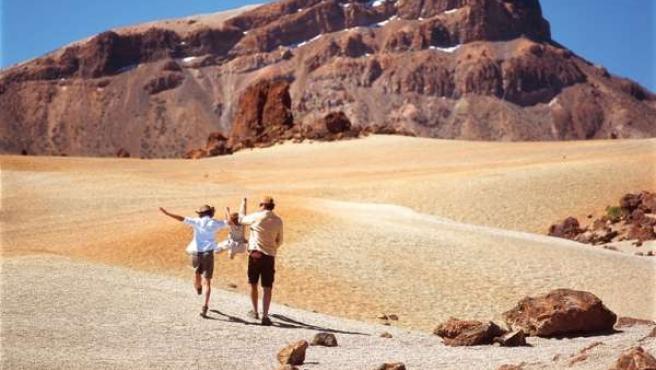 Una familia de vacaciones en el Teide