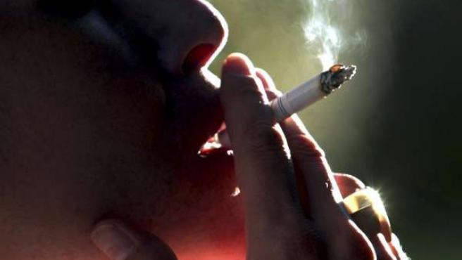 Fumar durante el embarazo puede provocar parto prematuro y bronquitis crónica en el bebé