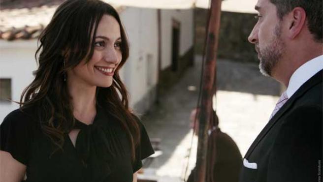 Verbeke y De Castro en una escena de 'Doctor Mateo'.