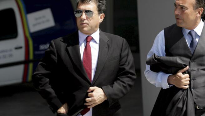 El presidente del FC. Barcelona, Joan Laporta, a la salida de la ciudad deportiva blaugrana de Sant Joan Despi (Barcelona).