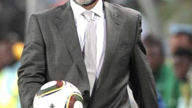 Diego Armando Maradona, seleccionador de Argentina, en el debut ante Nigeria.