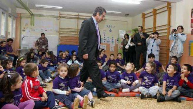 Revilla con los alumnos del Francisco de Queveda