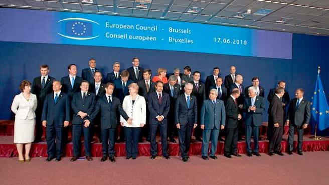 Los líderes europeos posan en la Cumbre de Bruselas.