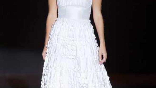 María José Suárez desfiiló este año vestida de novia.