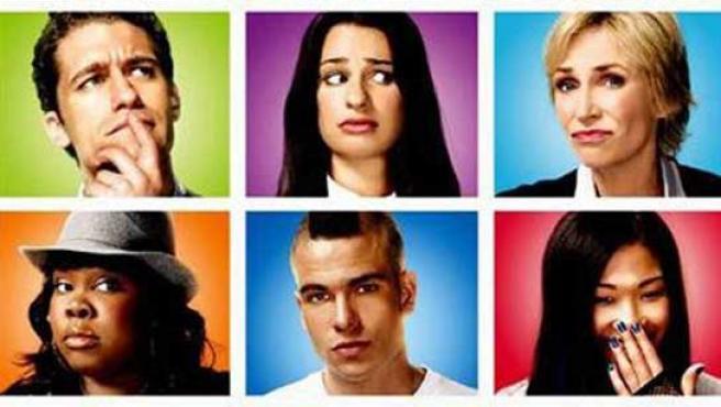 Los actores de la serie de moda, 'Glee', podrían tener un contrato firmado para llevar la serie al cine.