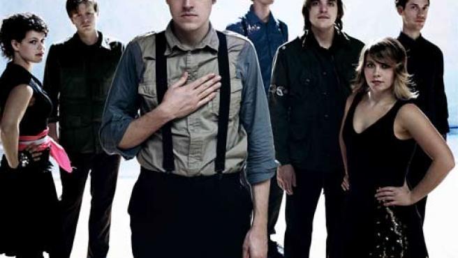 Arcade Fire en una foto promocional.
