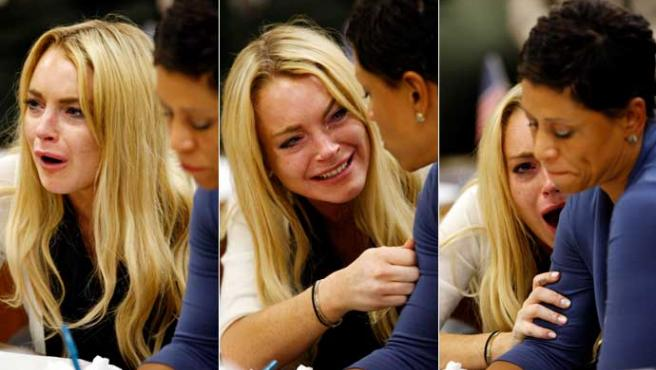 La actriz Lindsay Lohan llora tras escuchar su sentencia.