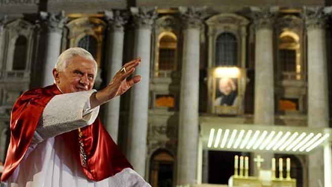 El Papa, en la vigilia del cierre del Año Sacerdotal.