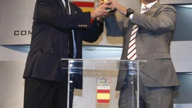 Ángel María Villar, presidente de la Federación Española de Fútbol y Alejandro Blanco, presidente del Comité Olímpico Español.