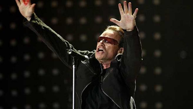 Bono, el líder de U2, en un concierto de la gira 360º.