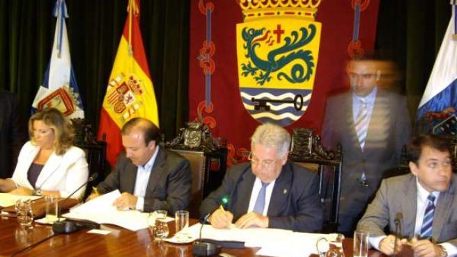 El secretario de Estado de Turismo, Joan Mesquida, la consejera de Turismo del G