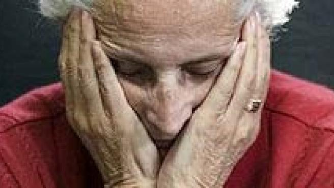 Una anciana enferma del Alzheimer.