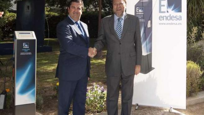 Prado y Monteseirín antes de la firma del convenio