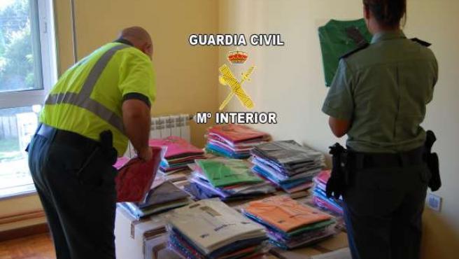 Material intervenido por la Guardia Civil en Mos.