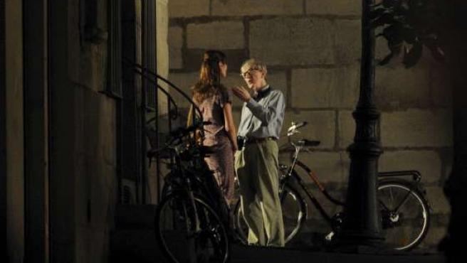 Carla Bruni y Woody Allen están rodando 'Midnight Paris' en la capital francesa