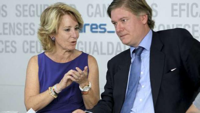 La presidenta de la Comunidad de Madrid, Esperanza Aguirre, junto al secretario general del Partido Popular Europeo (PPE), Antonio López-Istúriz.