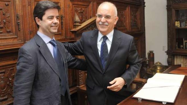 El alcalde de Huesca, Luis Felipe, se ha reunido este miércoles con el consejero